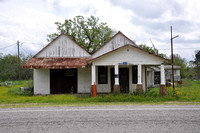 Old Gas Station - Fayette County 0001