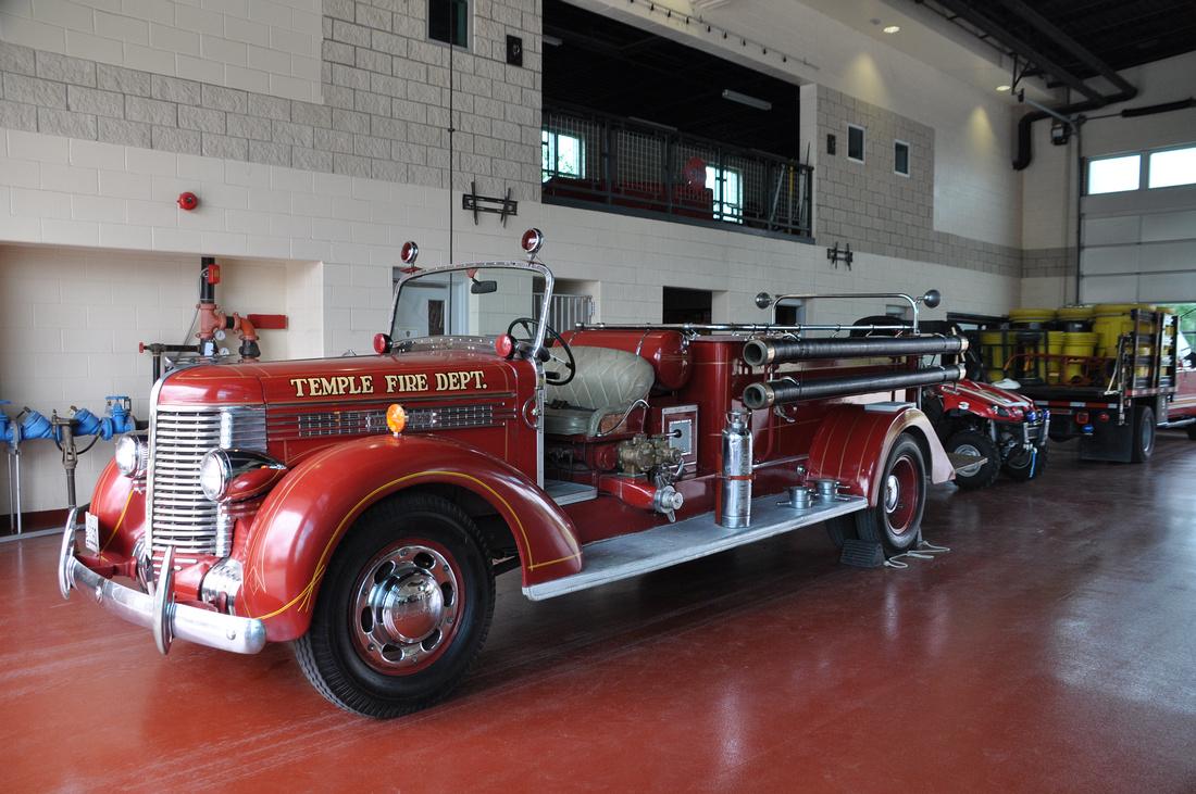 Diamond T Fire Truck 0001a
